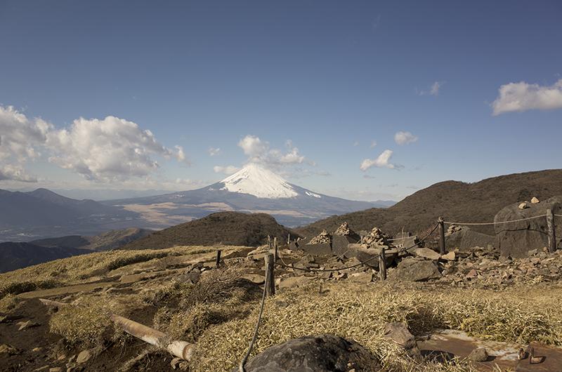 箱根ハイキング2015:駒ケ岳山頂から富士山