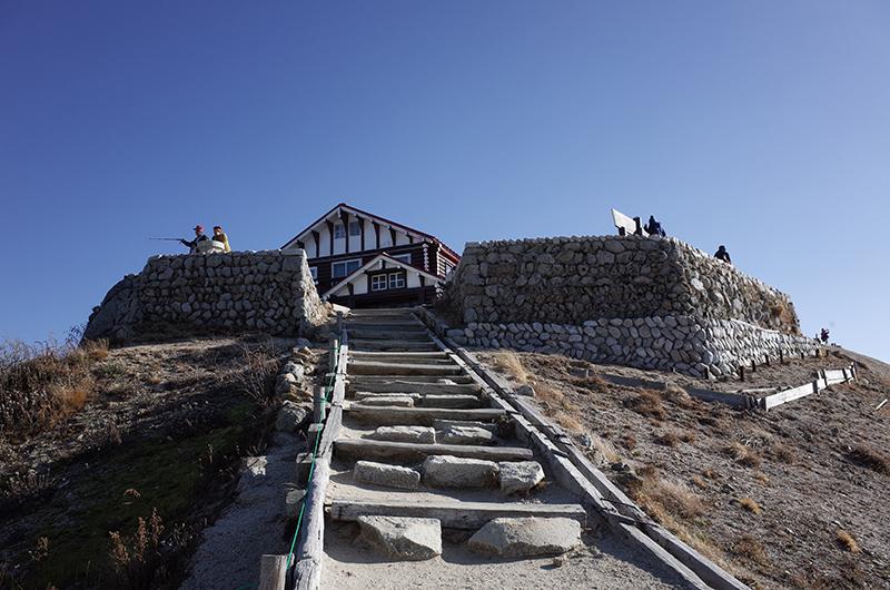 燕岳:燕山荘