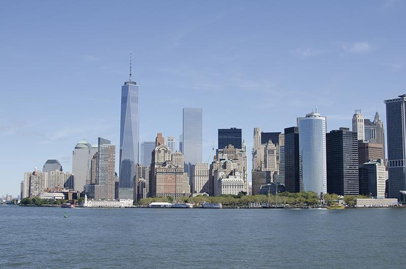 アメリカの旅2014:フェリーから見えるマンハッタンのビル群