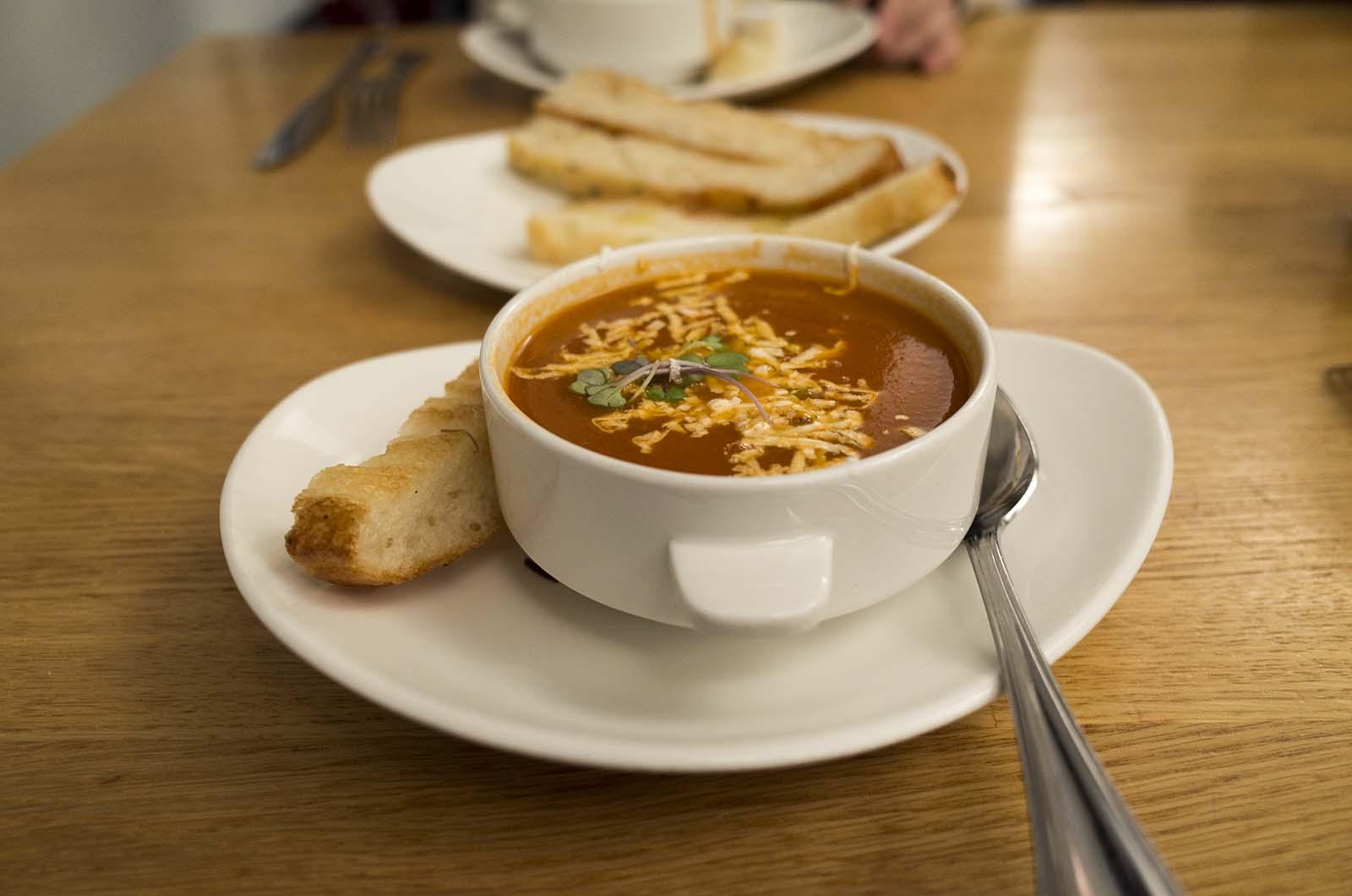 アメリカの旅2014:MOMAのカフェでスープ頼む