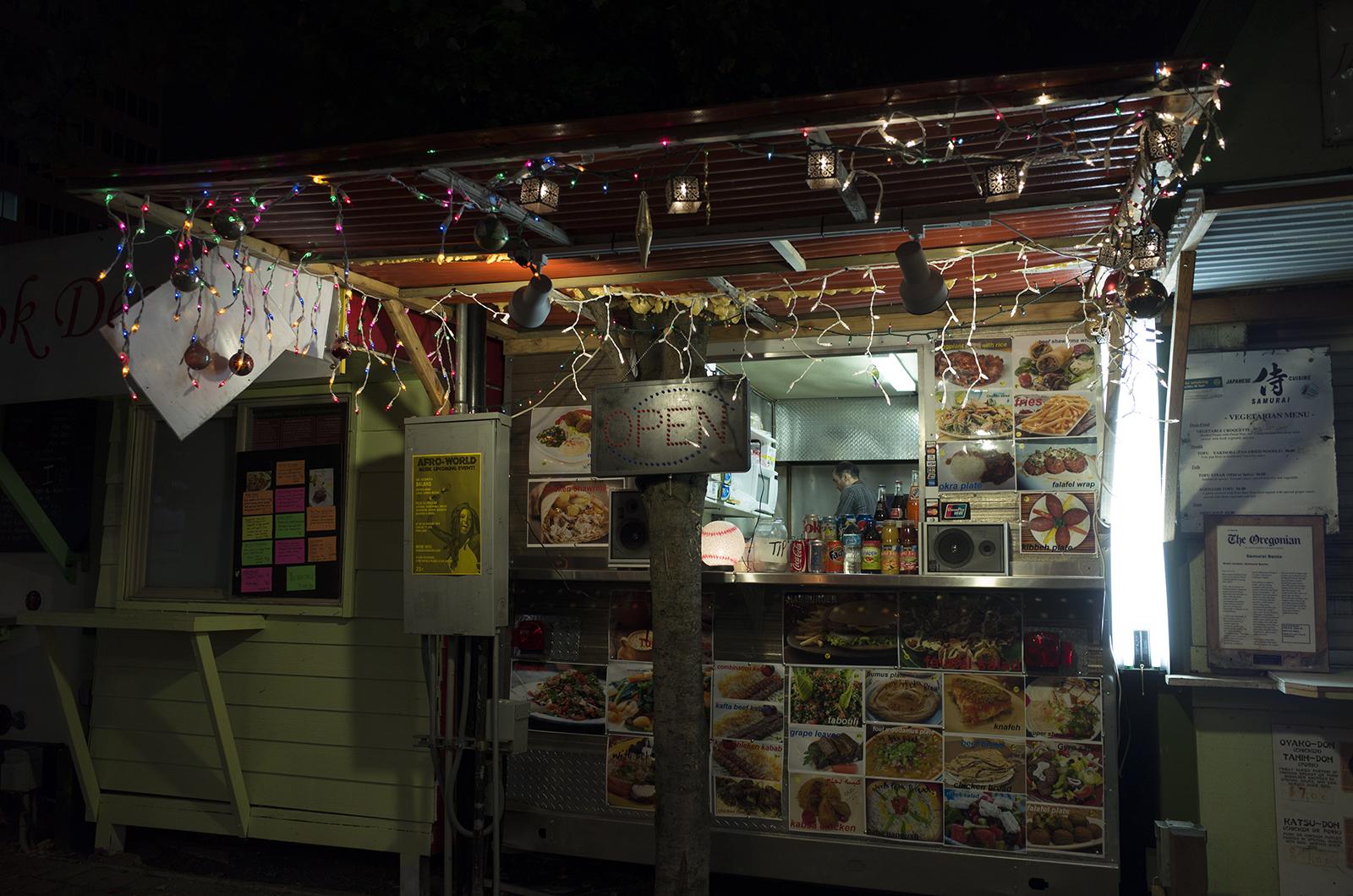 アメリカの旅2014:お腹がすいた深夜に開いてたのはホテル近くにあったフードカート