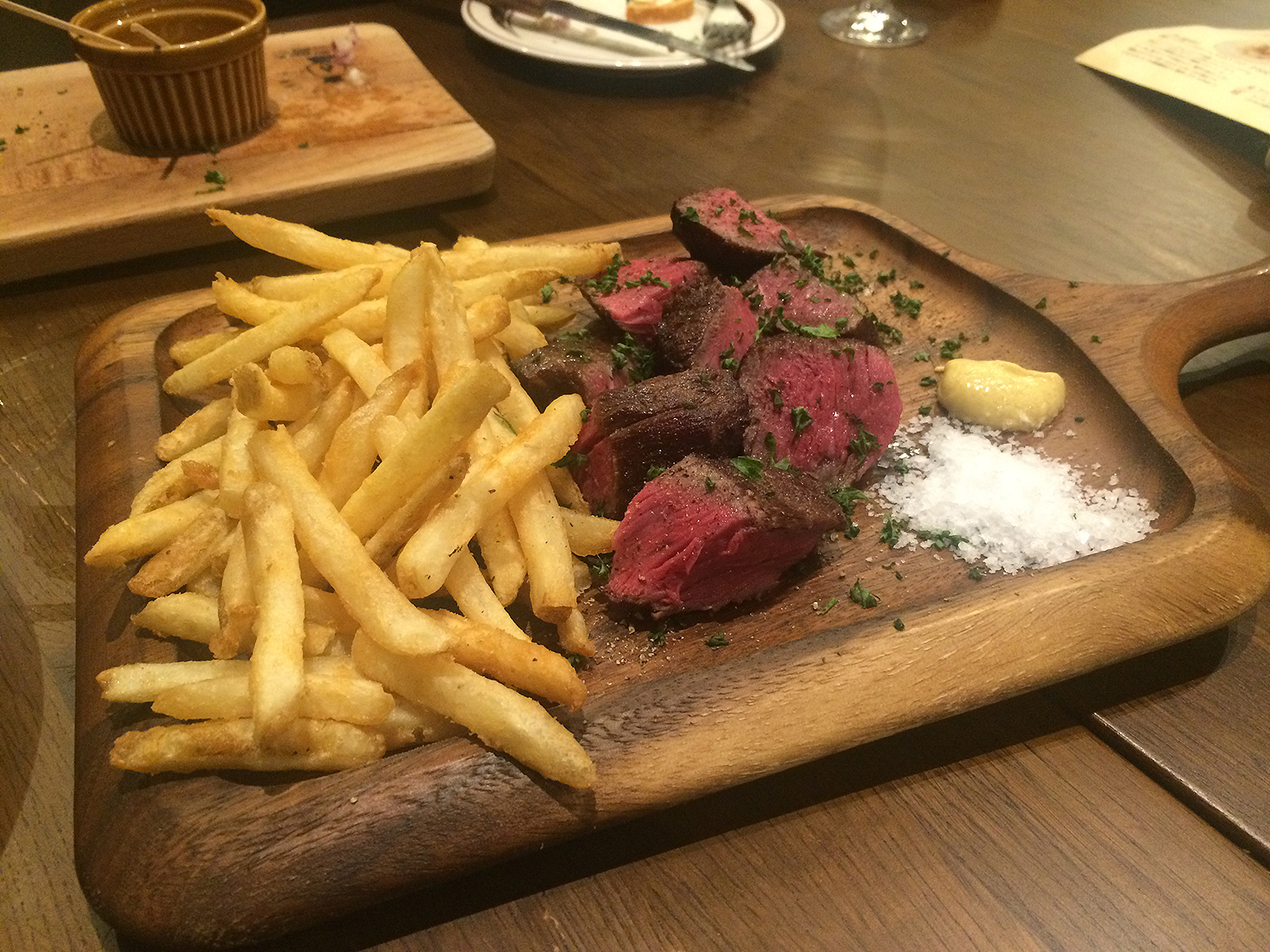 武蔵小杉で熟成肉!ビストロランタン