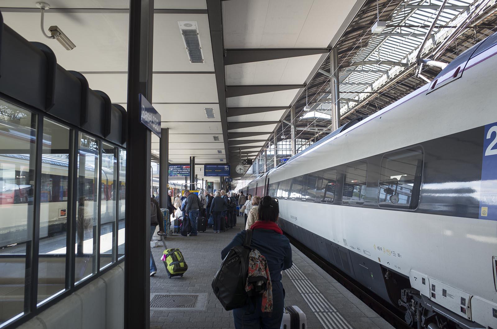 ヨーロッパ鉄道建築の旅'16:2日目 ミラノからスイス・バーゼルへ・ゲーテアヌム建築