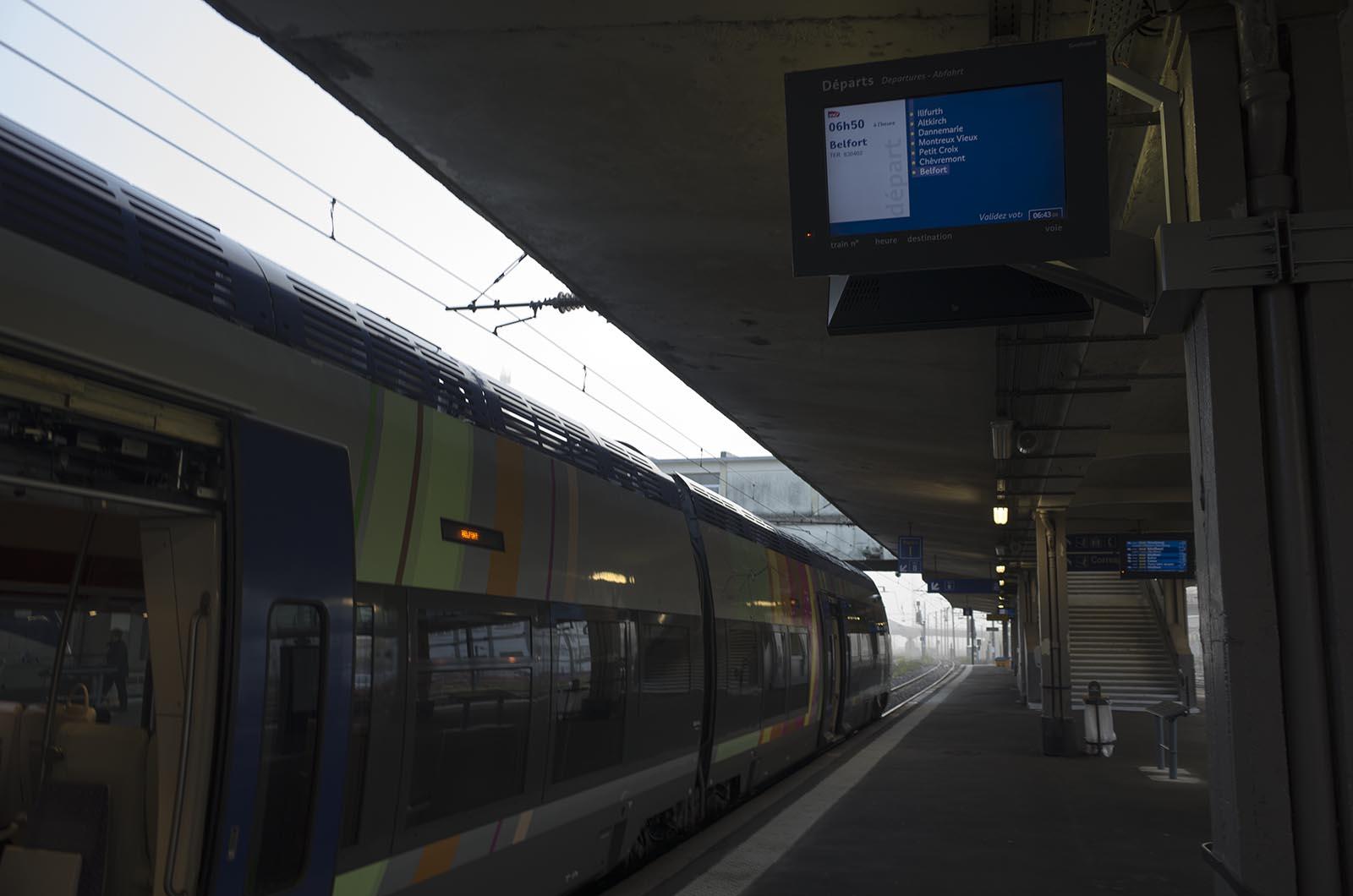 ヨーロッパ鉄道建築の旅'16:5日目 バーゼルからロンシャンの礼拝堂へ電車だけで行く
